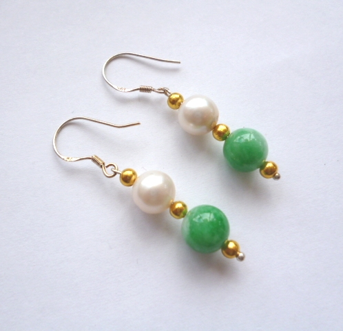 Double-drop jade and pearl with golden bead.