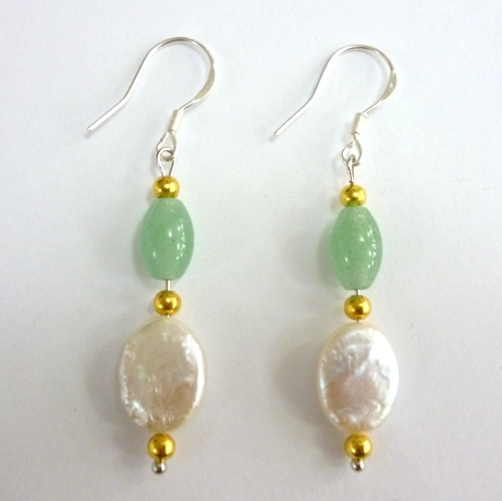 Oval Pearl and Aventurine Jade