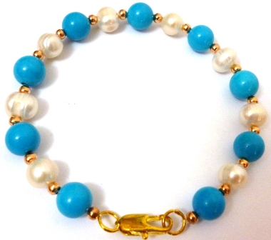 Pearl and blue turquoise bracelet.